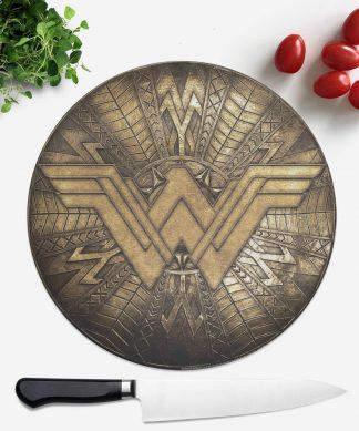 Planche à découper Ronde Wonder Woman chez Casa Décoration