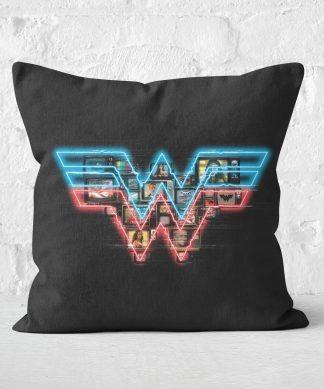Wonder Woman 1984 Screens Coussin - 60x60cm - Soft Touch chez Casa Décoration