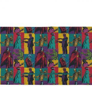 Universal Monsters Block Pattern - Fitness Towel chez Casa Décoration