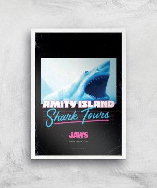 Les Dents de la Mer Amity Island Shark Tours Affiche - A2 - White Frame chez Casa Décoration